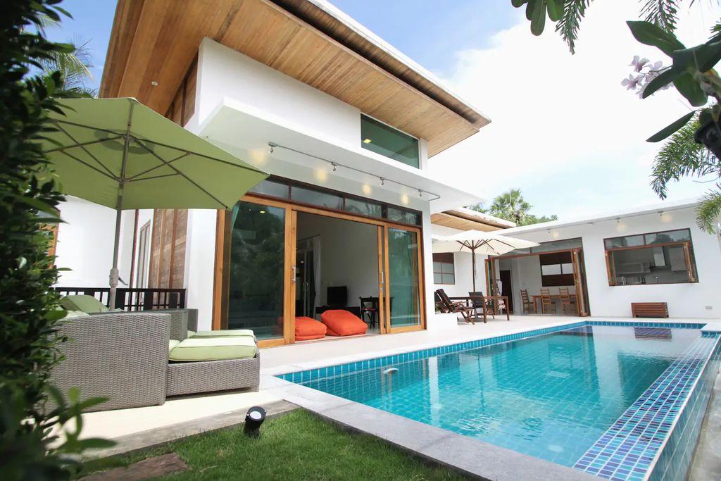 Niwana Breeze Villa pool in Thailand