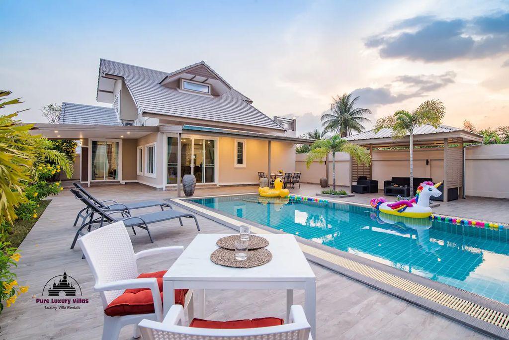 Elegant Pool Villa in Hua Hin