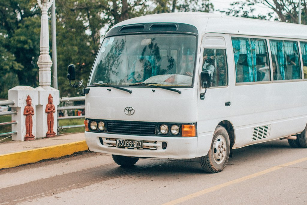 getting around Nicaragua by shuttle bus