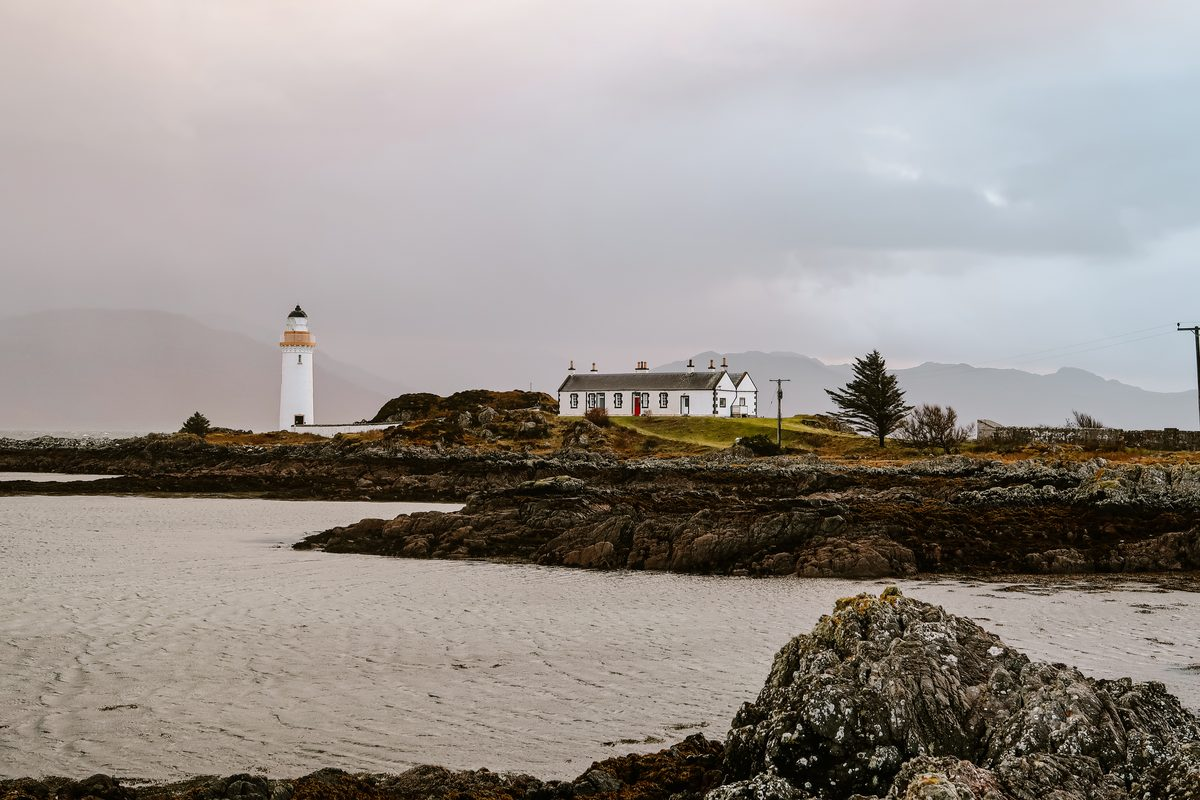Eilean Sionnach Lighthouse Cottage in Scotland