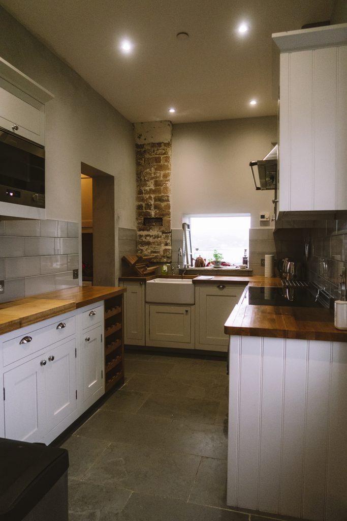 kitchen at eilean sinnoach lighthouse cottage