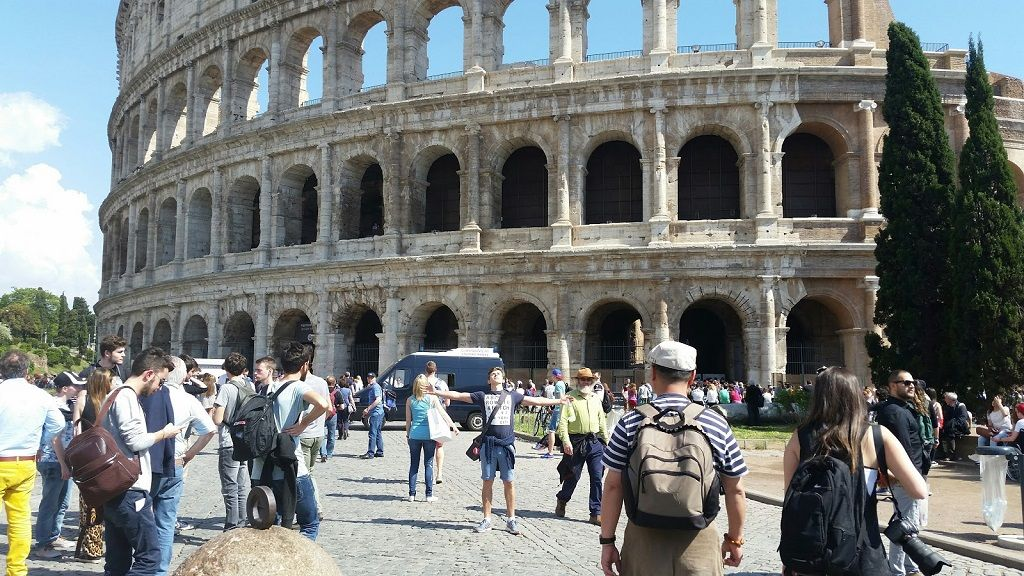 visiting the Colosseum in Rome on a budget