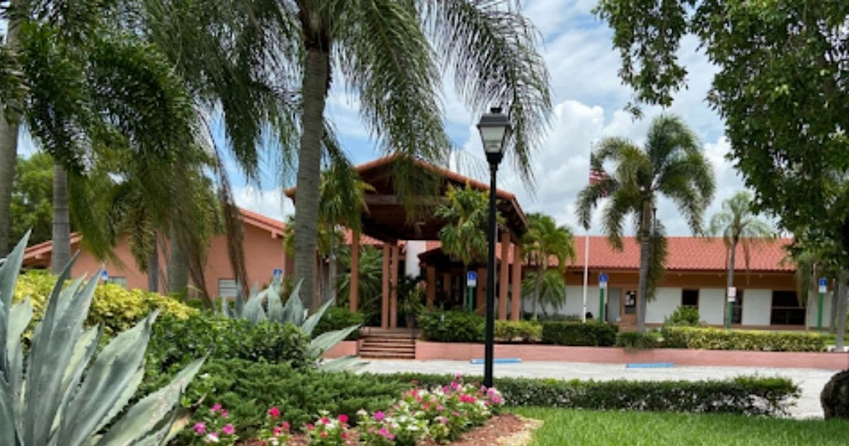 Palm Greens Recreation Association uses Omnify for facility scheduling