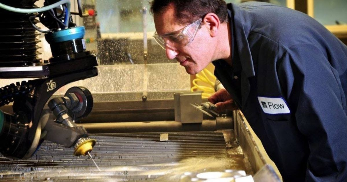 Flow Waterjet offers on-site and e-learning classes to master all aspects of their machinery
