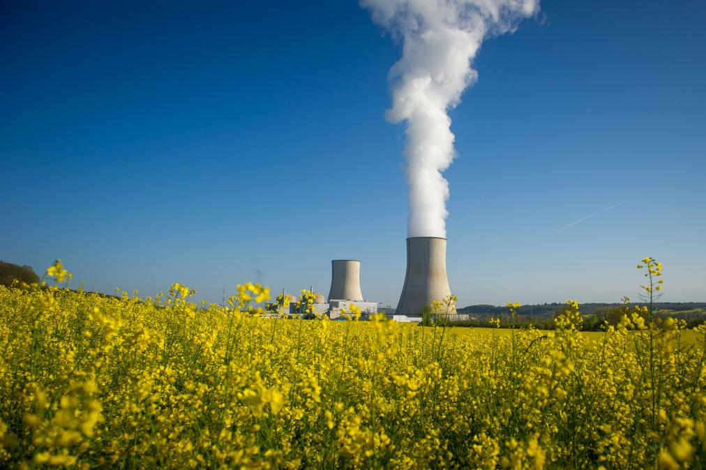should building nuclear power stations in The energy act 2008 stipulates that plant operators are required to submit a funded decommissioning programme (fdp) before construction on a new nuclear power station is allowed to commence h the funded decommissioning programme must contain detailed and costed plans for decommissioning, waste management and disposal.