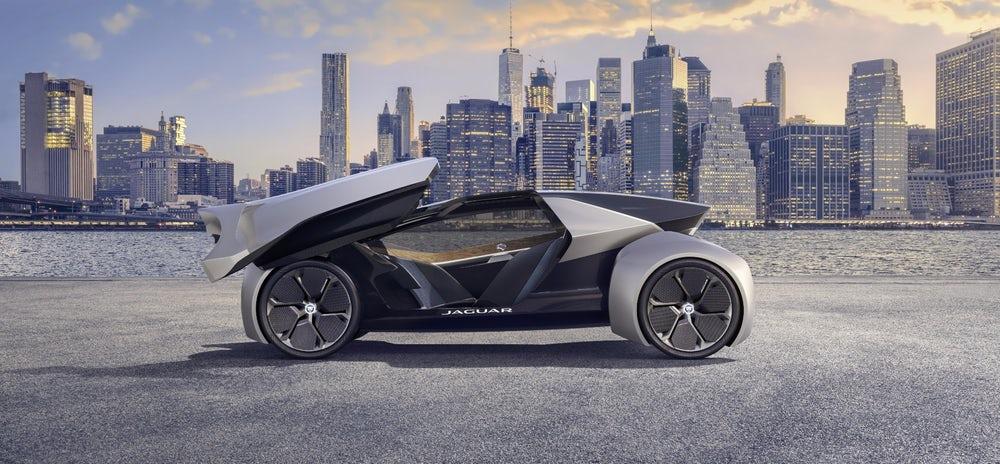 Jaguar FUTURE-TYPE horfir til framtíðar