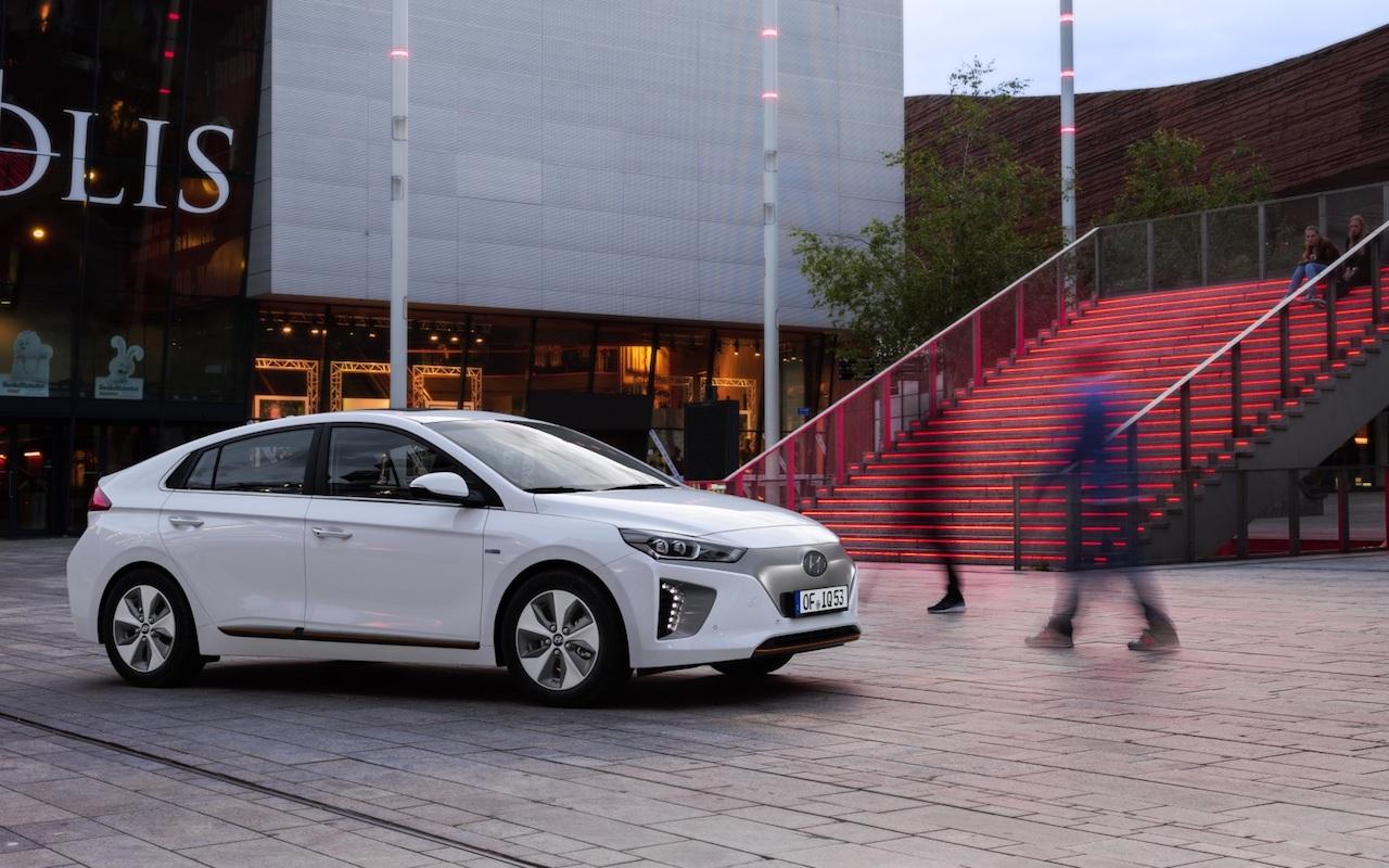 """Hyundai IONIQ er """"konubíll"""" ársins"""