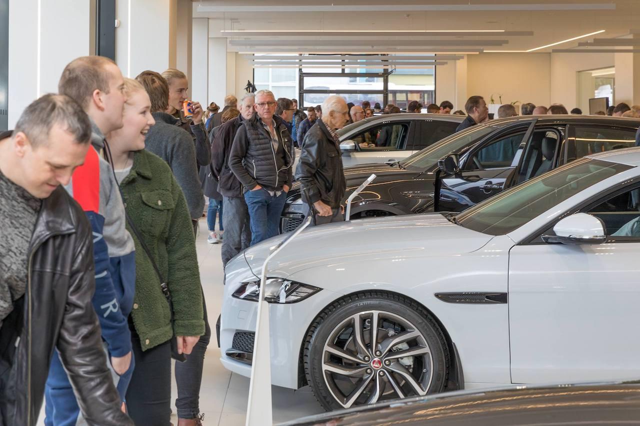 Höfuðstöðvar Jaguar Land Rover vígðar að viðstöddu fjölmenni