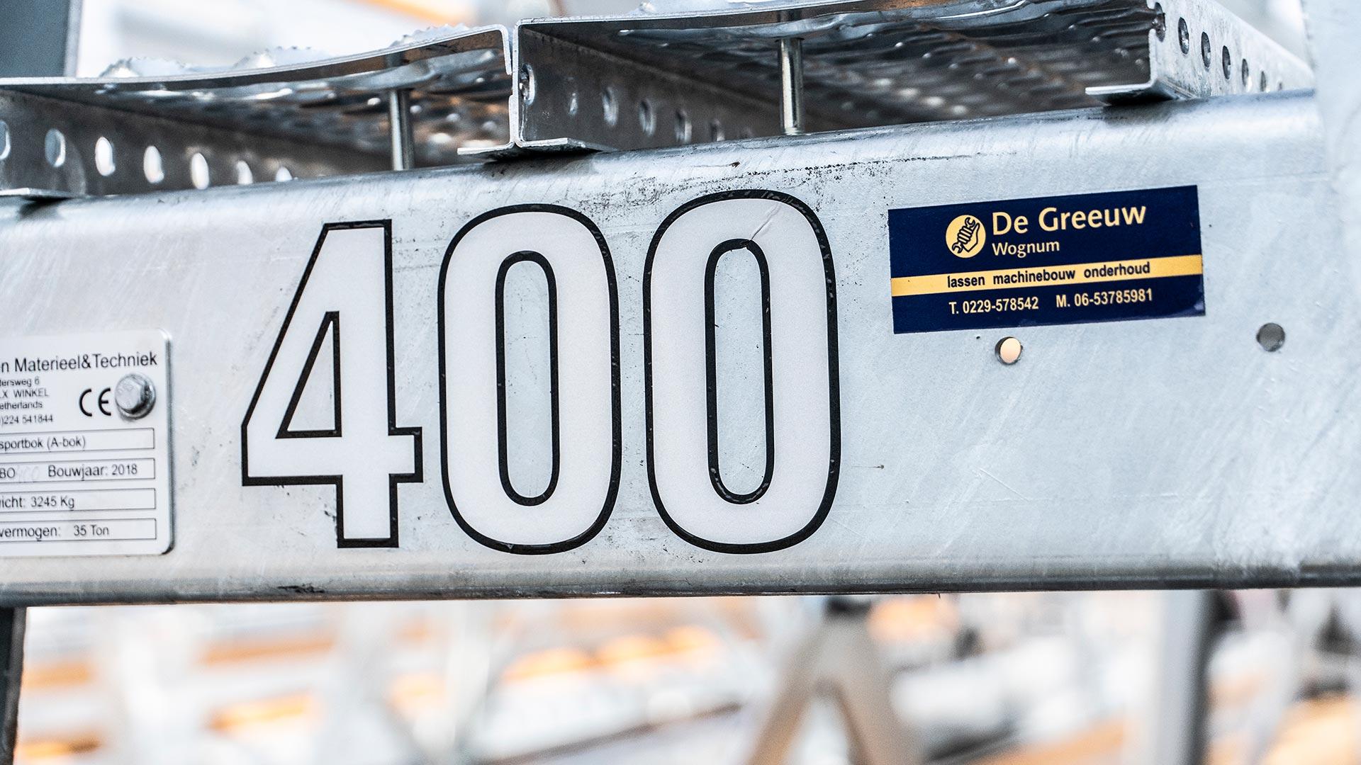 Spaansen Materieel en Techniek fabriceert de 400ste transportbok voor Spaansen Bouwsystemen