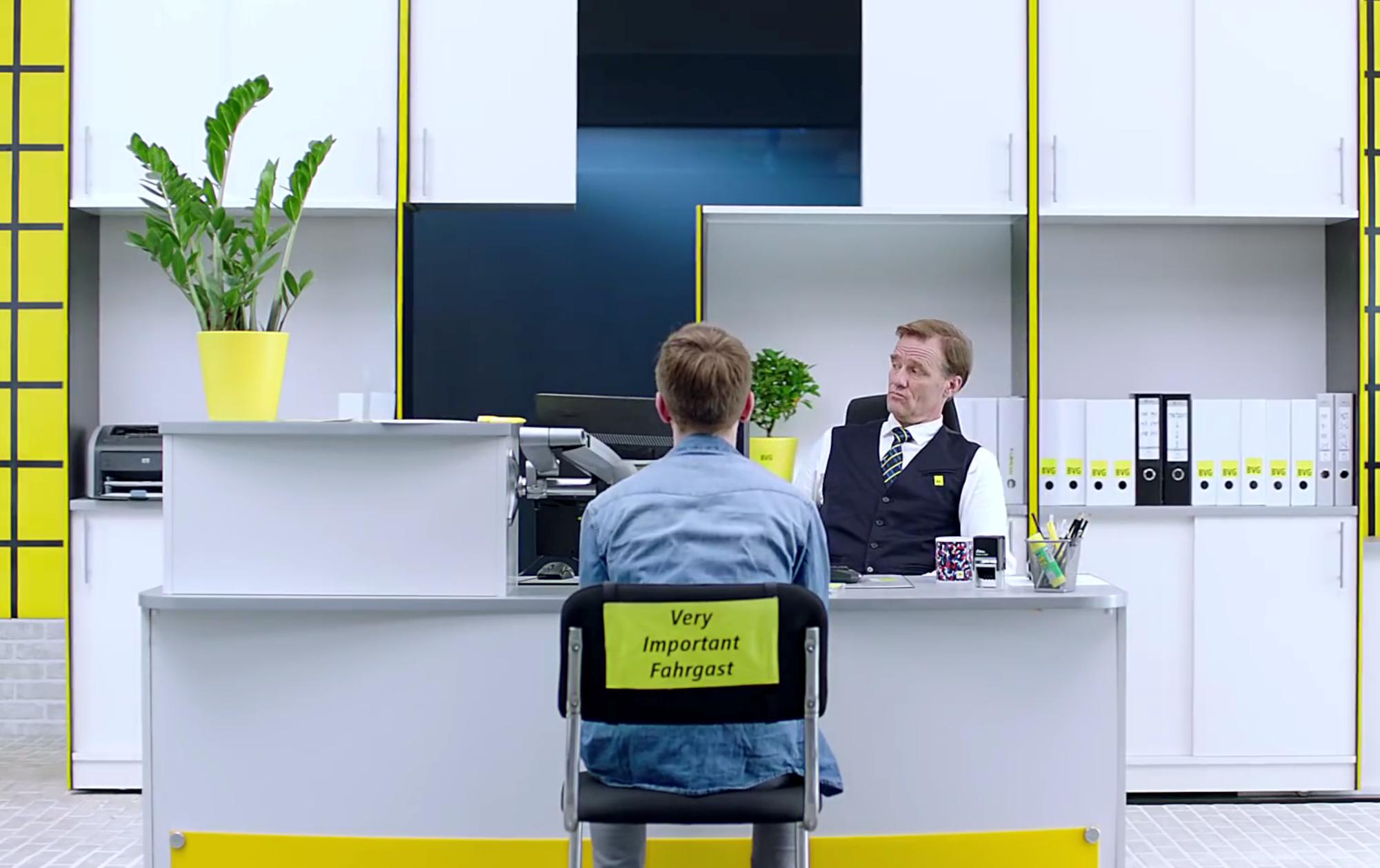 """""""Es war auch etwas Übung notwendig, um diesen steinigen Weg möglichst unfallfrei gehen zu können""""  BVG-Marketingleiter Frank über provokantes Marketing und die Bedeutung von Social Media"""