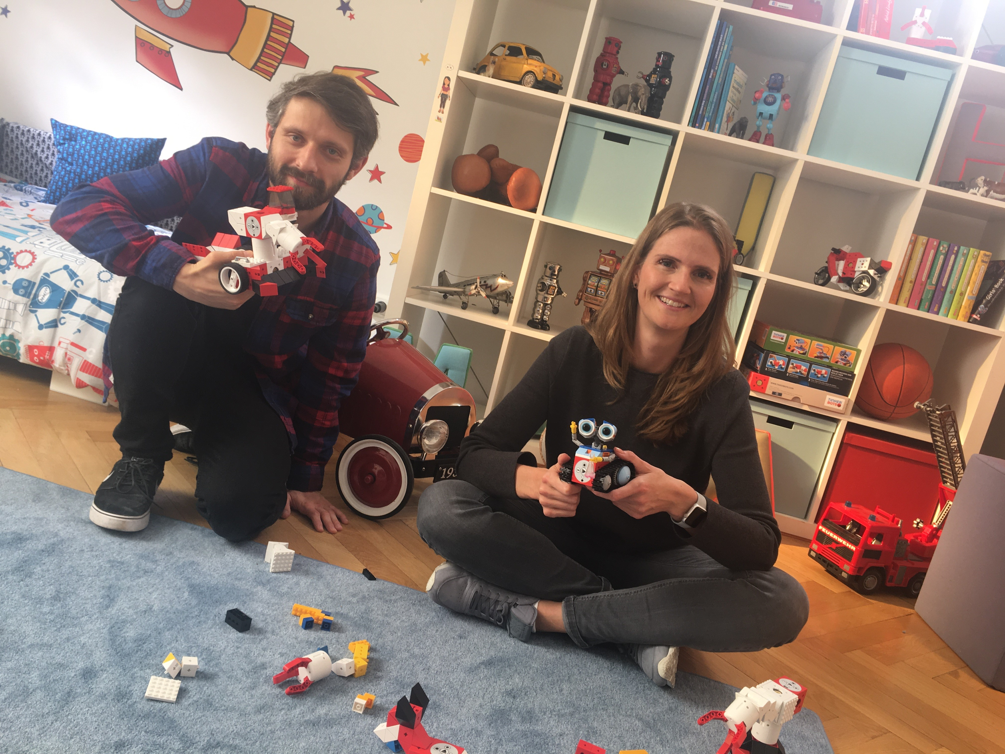 """With social media you don't reach anywhere near the number of people you do with TV advertising"" Interview with SevenVentures Pitch Day 2016 winner Tinkerbots and creative agency 7Stories"