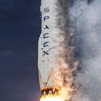 Rebuilding the SpaceX Falcon 9 page in Webflow