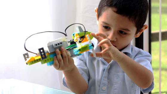 There are many different programs at Snapology of Egypt that allow your child to have hands-on experience with robotics!