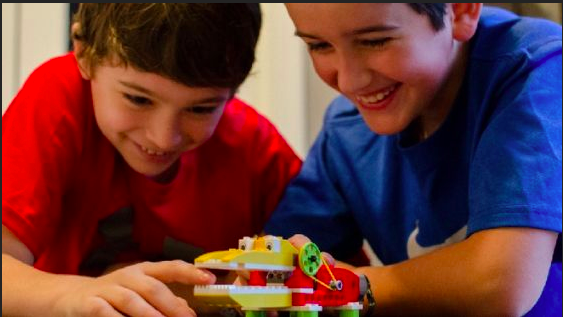 There are many different programs at Snapology of Kingwood, TX that allow your child to have hands-on experience with robotics!