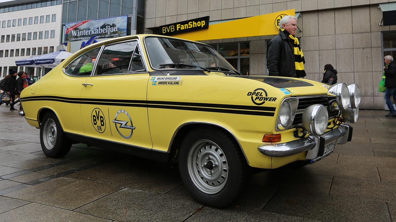Der Klassiker. Mobiler Newsroom aktiviert Fußball- und Opelfans.