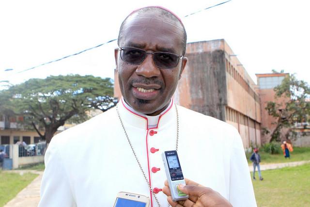 """""""Angola precisa de jovens corajosos, capazes de dizer """"sim"""" aos desafios fortes para a nação"""", considera arcebispo José Imbamba"""