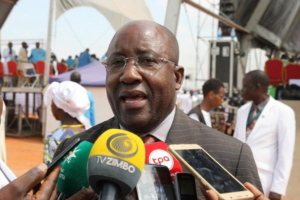 """Deputado do MPLA defende """"pena de morte"""" em Angola"""