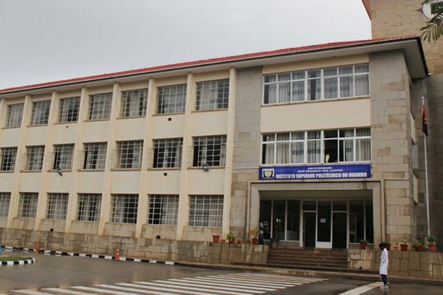 Huambo: Candidatos reprovam no exame de acesso ao Instituto Superior Politécnico mesmo com notas positivas