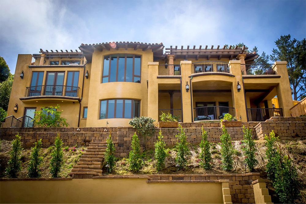 7682 Hillside Dr, La Jolla, CA 92037