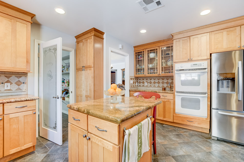 946 Catalina Blvd, San Diego, CA 92106