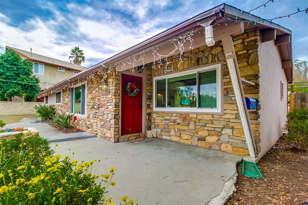 398 El Monte Rd, El Cajon, CA 92020