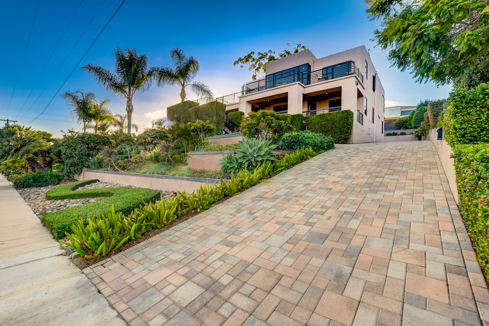 1656 Willow St. San Diego, CA 92106