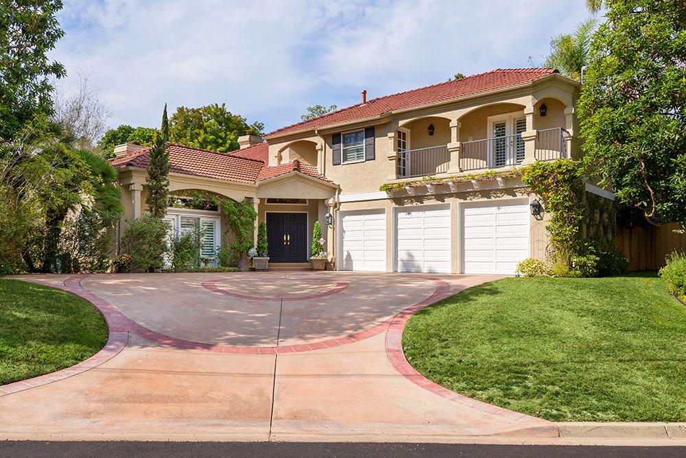 704 Gage Dr. San Diego, CA 92106