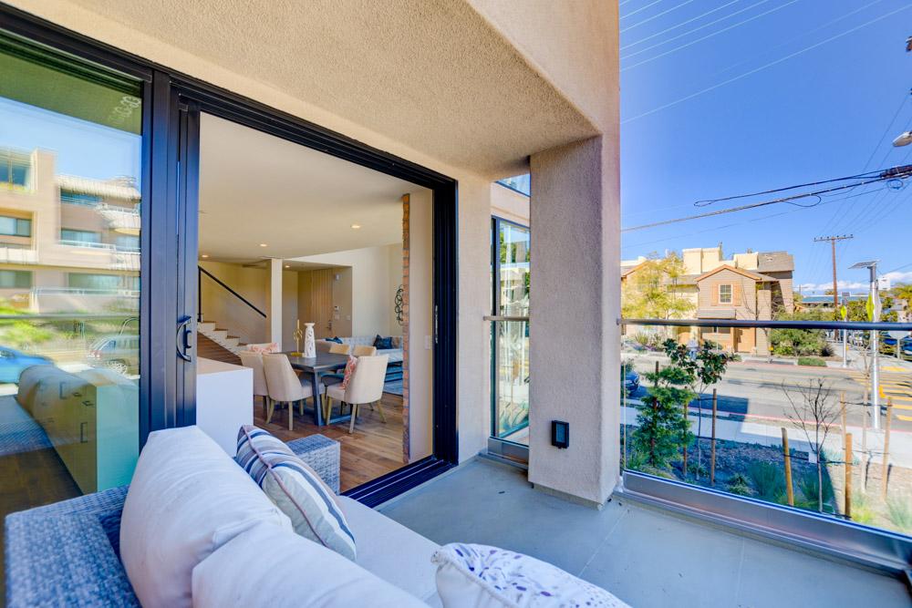 1087 Pearl St. La Jolla, CA 92037