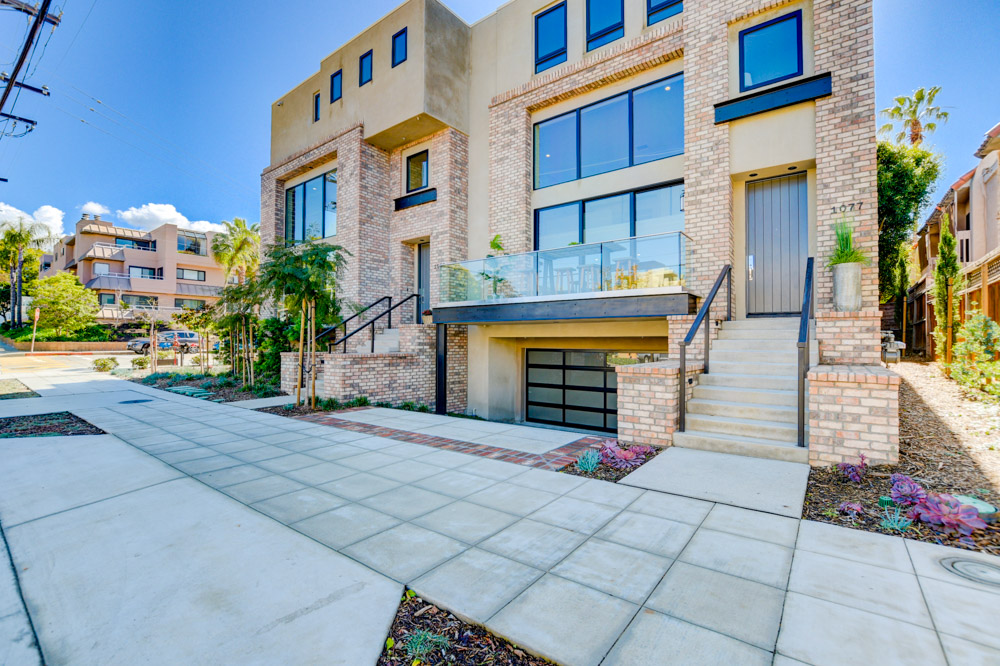 1077 Pearl St. La Jolla, CA 92037