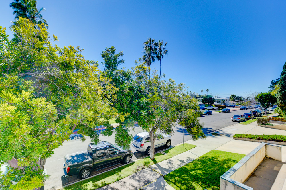 1572 Thomas Ave. San Diego, CA 92109