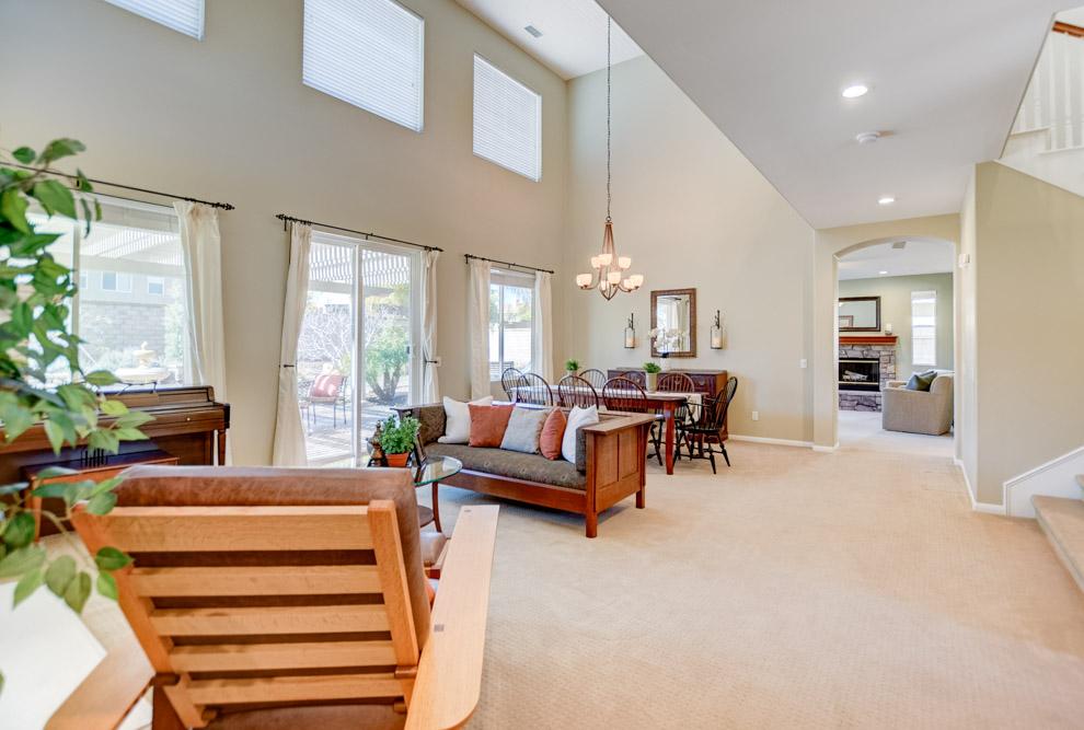 2381 Douglaston Glen Escondido, CA 92026