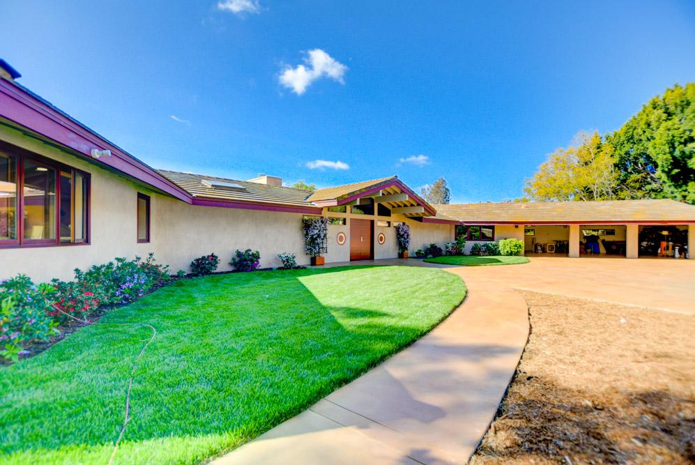 17235 Los Morros Rancho Santa Fe, CA 92067