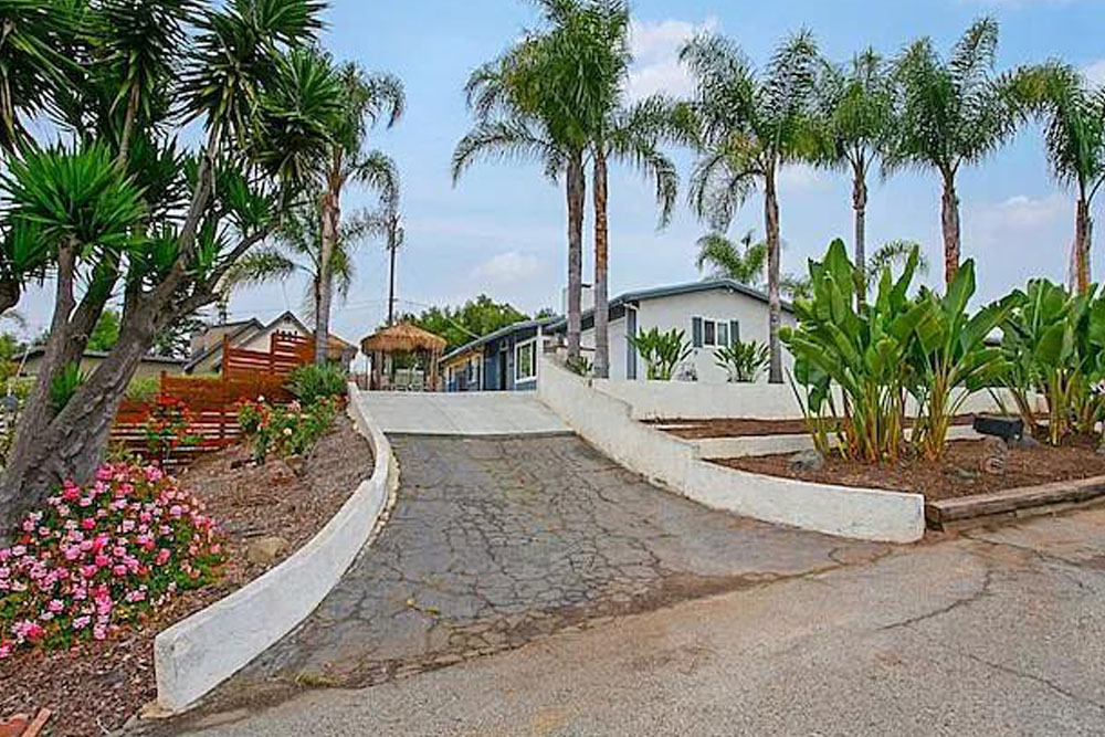 435 Lado De Loma Dr. Vista, CA 92083
