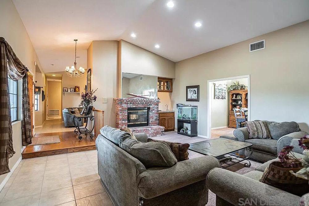 30604 Reden Ln. Valley Center, CA 92082