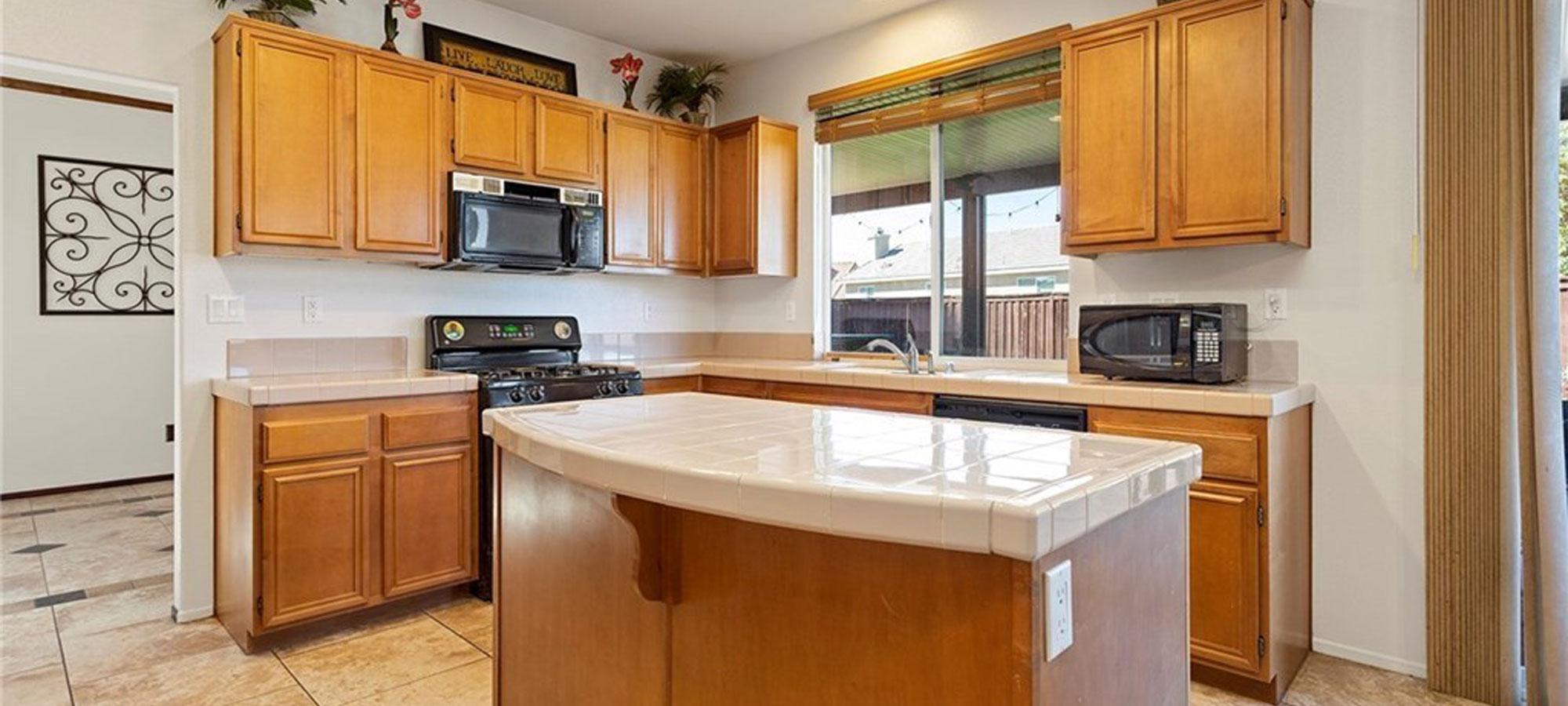 31050 Bonsai Cir Winchester, CA 92596