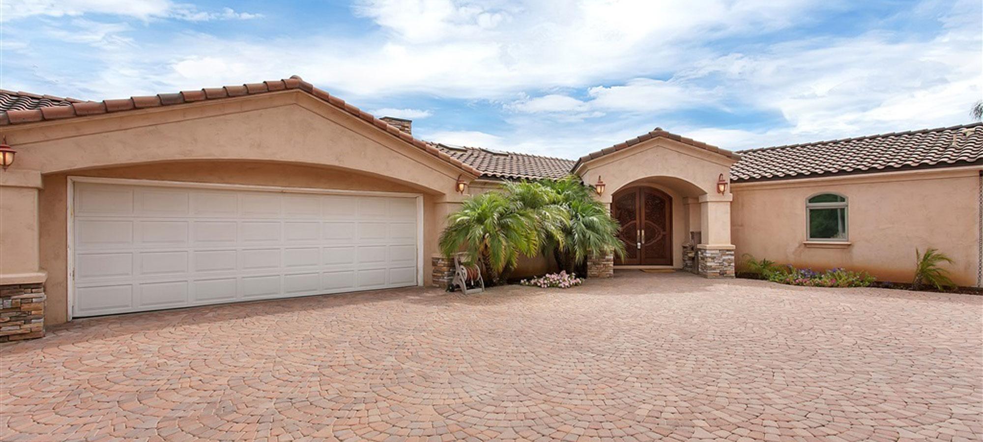 1015 W Via Rancho Pkwy Escondido, CA 92029