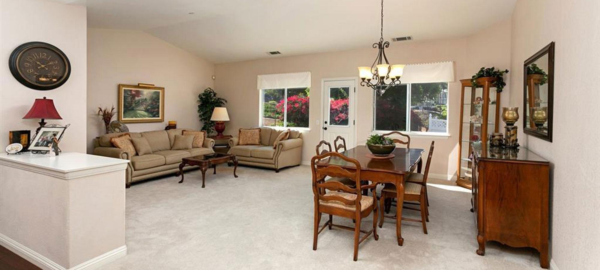 1198 Tres Ninos Corte Vista, CA 92084