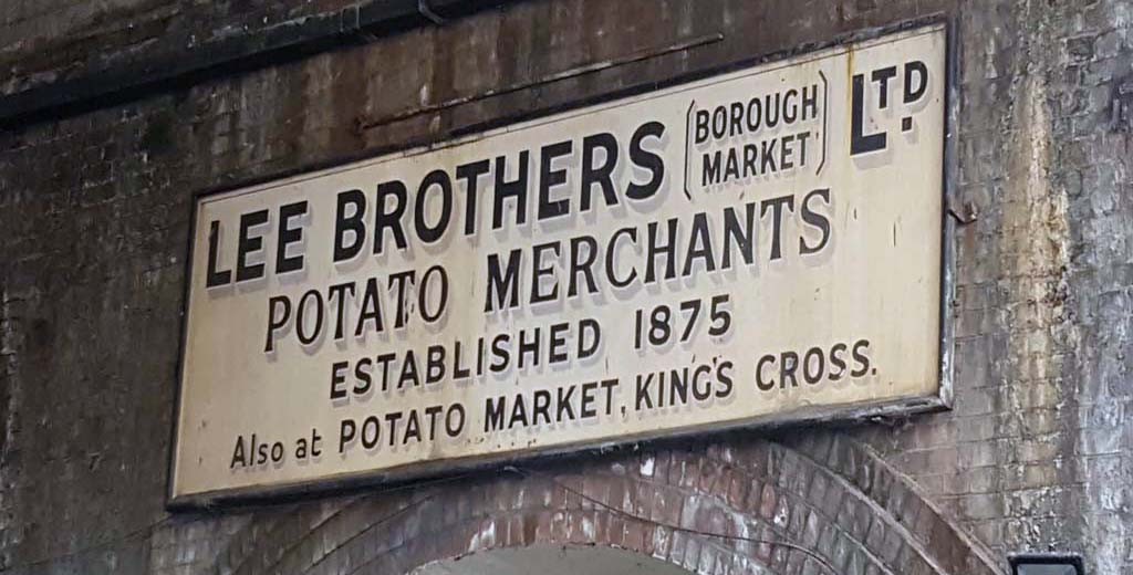 Old Borough Market   Street Sign