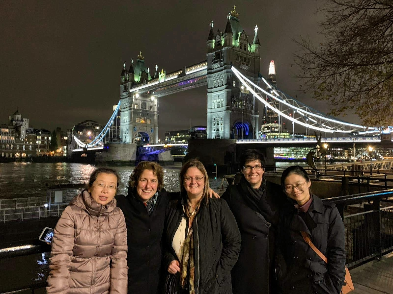 Visit London Taxi Tours stop at Tower Bridge
