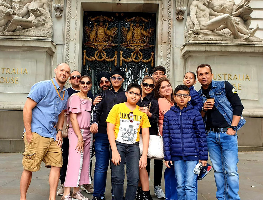 Gringotts Bank Harry Potter Taxi Tour, large group photo family form India with Visit London Taxi Tours