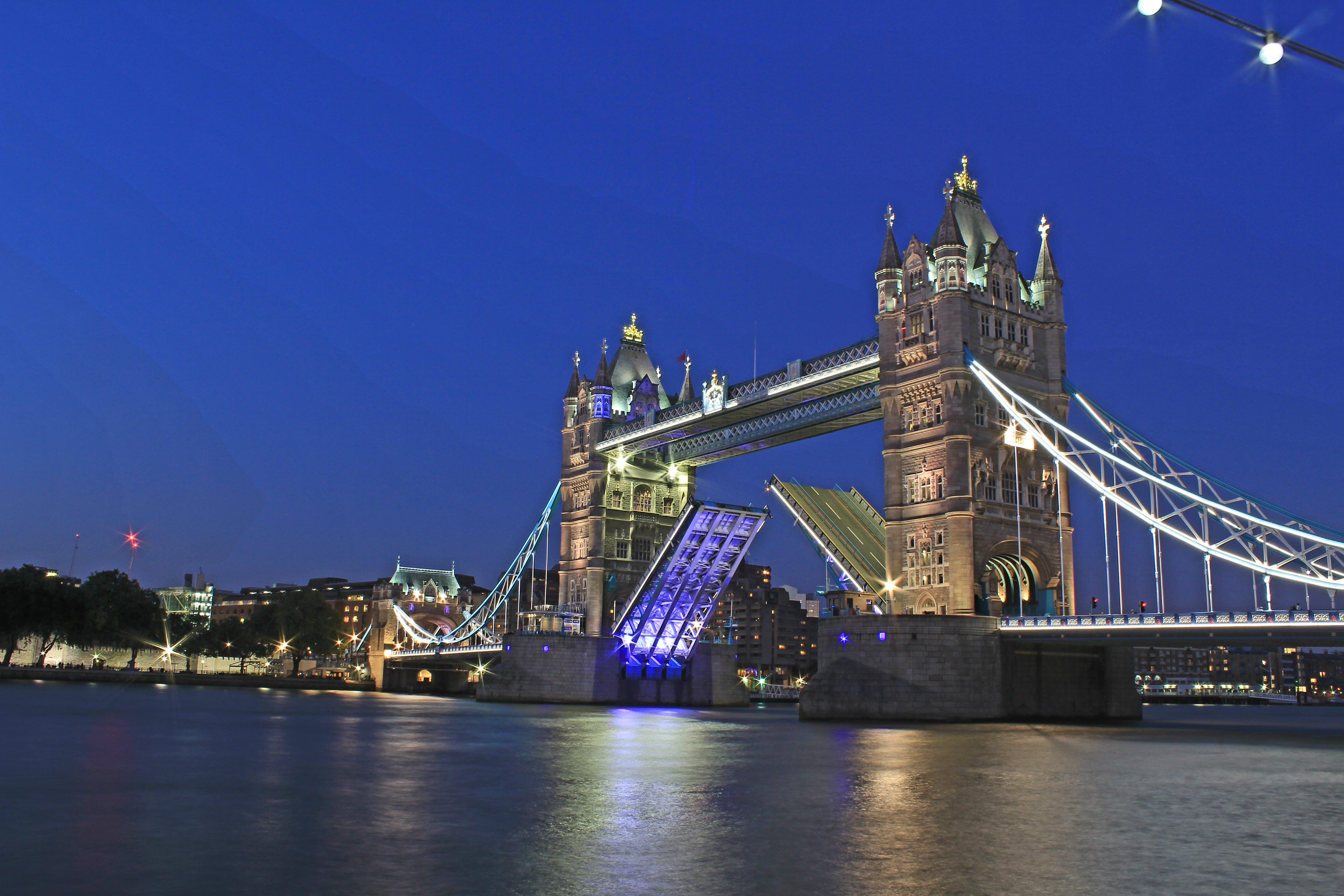Visit London Taxi Tours Tower Bridge