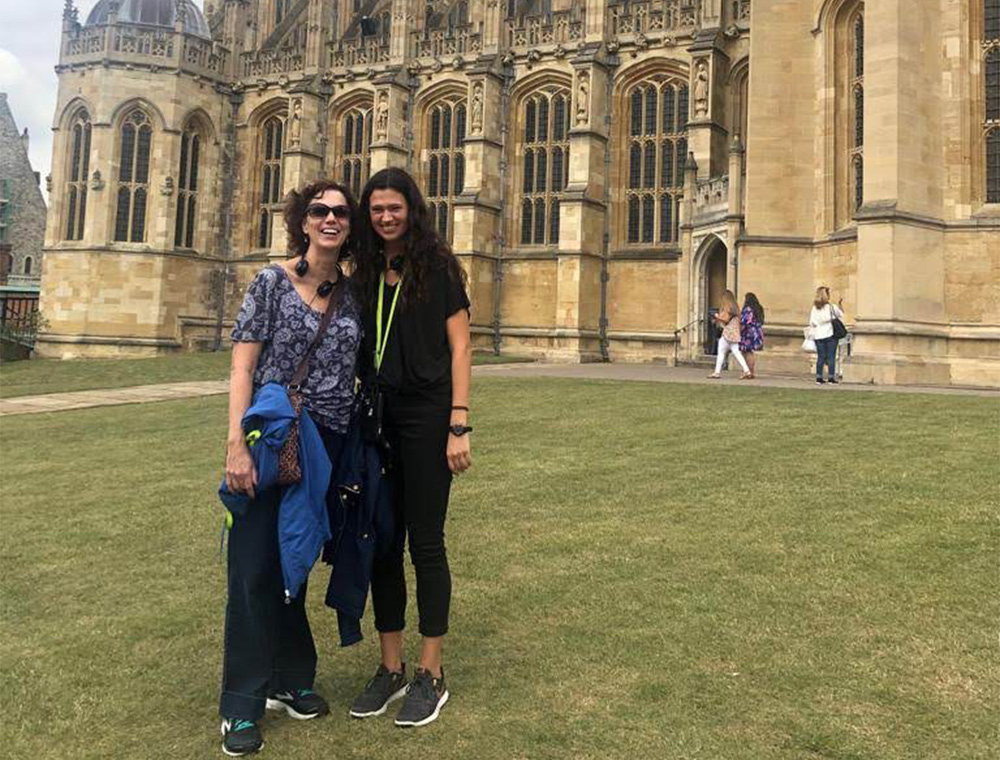 Visit London Taxi Tours guests (mother and Daughter) outside Windsor castle