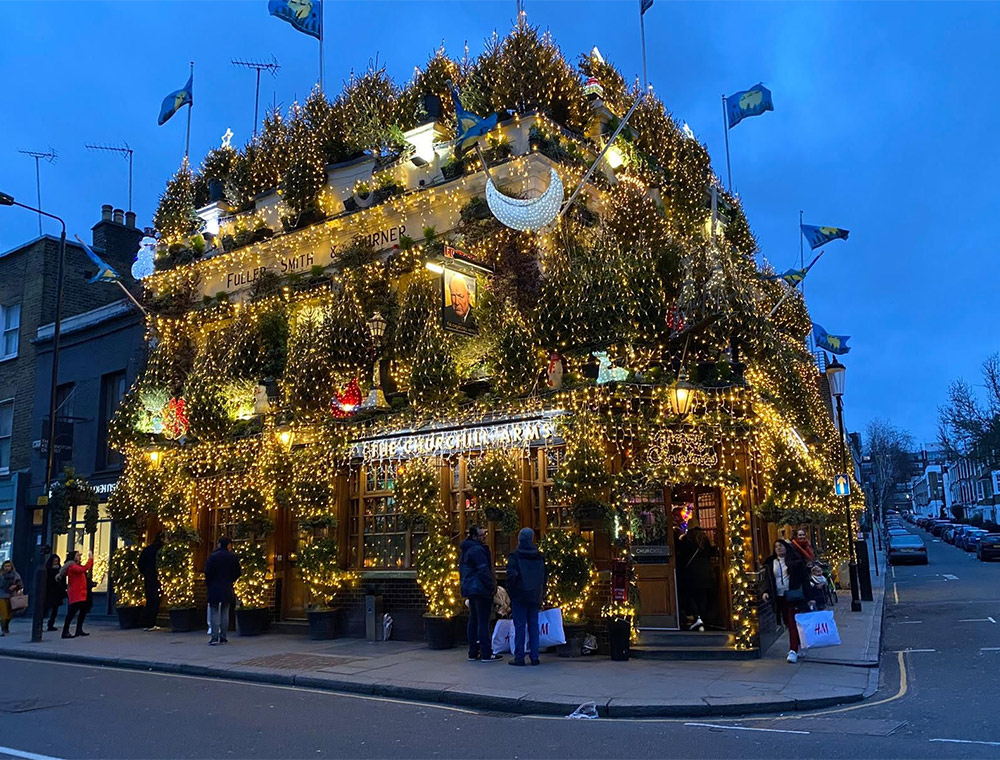 Christmas Lights London Churchill pub