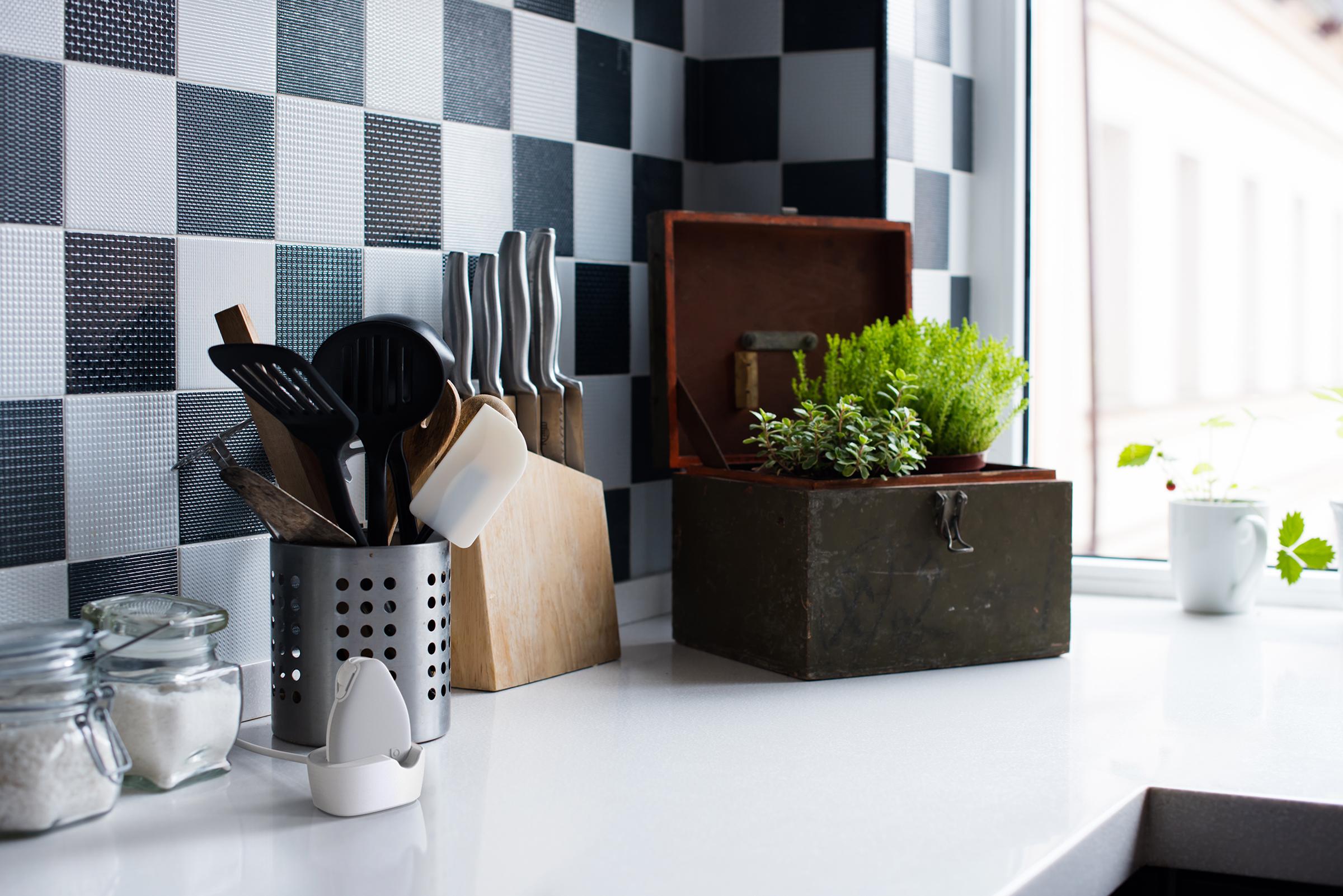 Jiobit on a kitchen counter