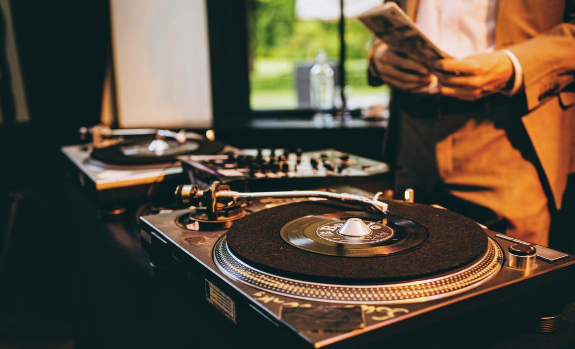 vinyl dj inhuren