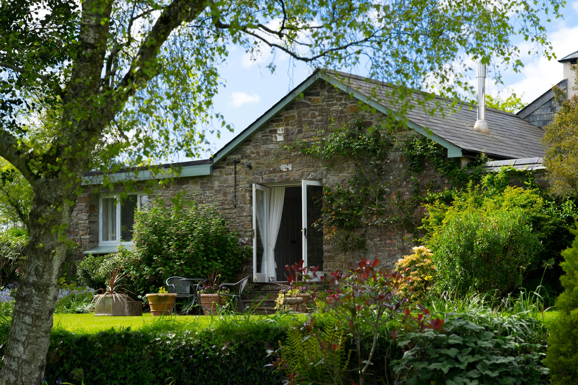 Garden Holiday Cottage for couples in Devon