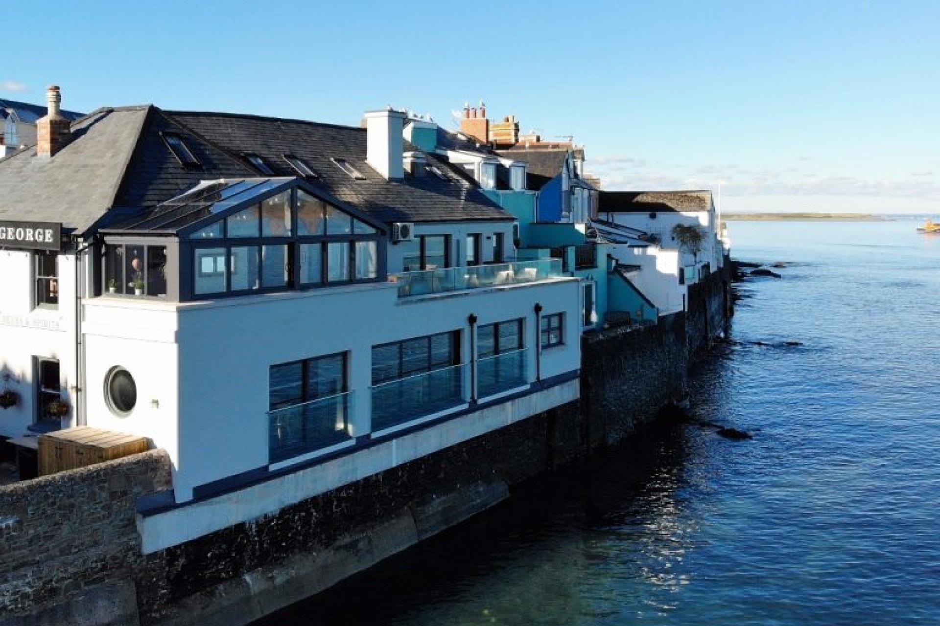 Places to Eat - The Royal George, Appledore