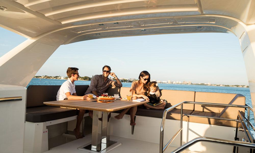 https://www.yachtinglifestyle365.com/wp-content/uploads/2019/03/2016-Prestige-630-Lifestyle-0669--1000x600.jpg