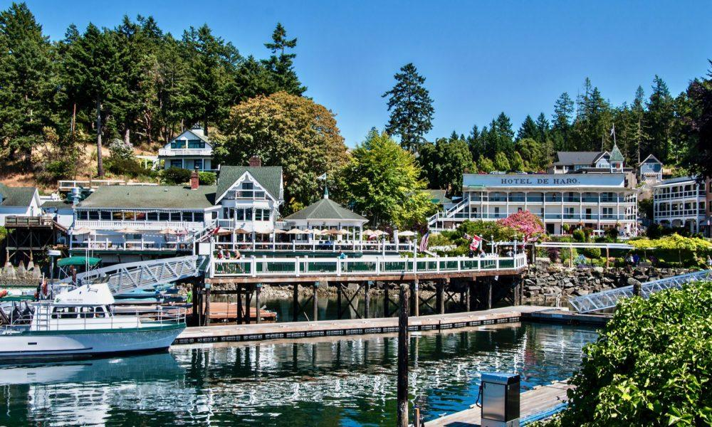 https://www.yachtinglifestyle365.com/wp-content/uploads/2019/03/roche-harbor-3-1-1000x600.jpg