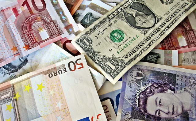 FOREX_News-dollar-rebounds_FXPIG